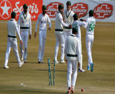 South Africa batting line-up crumbles before Pakistan on day 3 of second Test