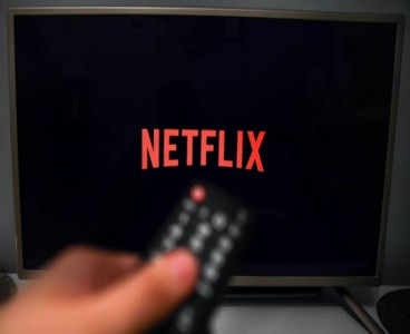 Best shows and movies to binge-watch on Netflix Pakistan