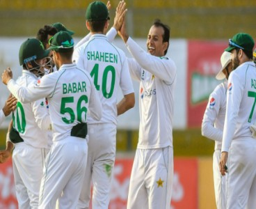 Victory just 88 runs away from determined Pakistan