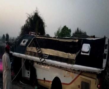 14 killed, several injured as passenger bus overturns near Lasbela