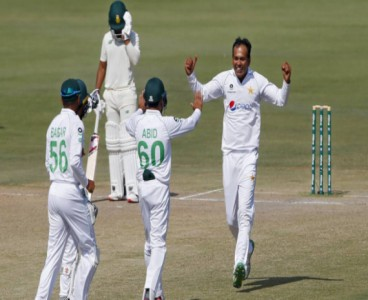 Pakistan wins toss, opt to bat first in second Test against South Africa